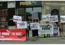 Meðlimir BDS-samtakanna mótmæla Puma. Mynd: @BDS-Kampagne